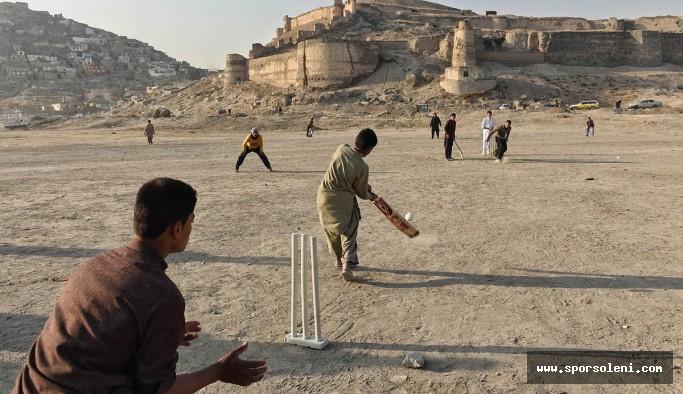 Kriket Nedir? (Kazanma, Kuralları ve Becerileri Hakkında Bilgi)