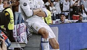 Real Madrid'de oynamak istediğini söyler ve hep şu sözü duyardı:''Kim istemez ki?''