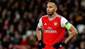Arsenal, Aubameyang'ı yeniden imzalamaya çalışmaktan vazgeçti .