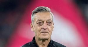 Ünlü futbolcuların yaşlılık halleri